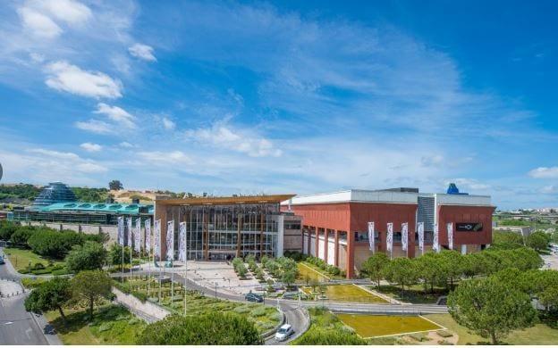 Centro Comercial Almada Forum Lisboa Fuente Merlin