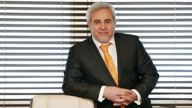 Félix Abánades presidente de Quabit en su despacho