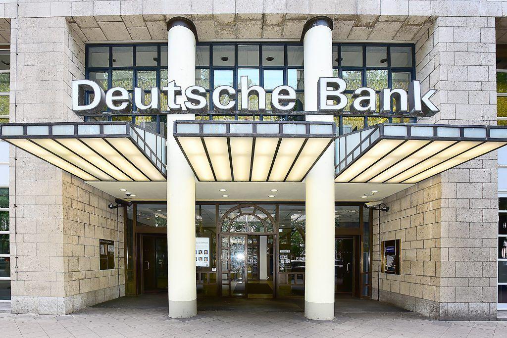 Oficina Deutsche Bank en Dusseldorf Alemania 1024x683 1