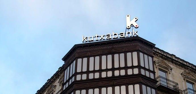 Kutxabank elige a Servihabitat, Neinor y Solvia para la fase final de la gestión de sus activos