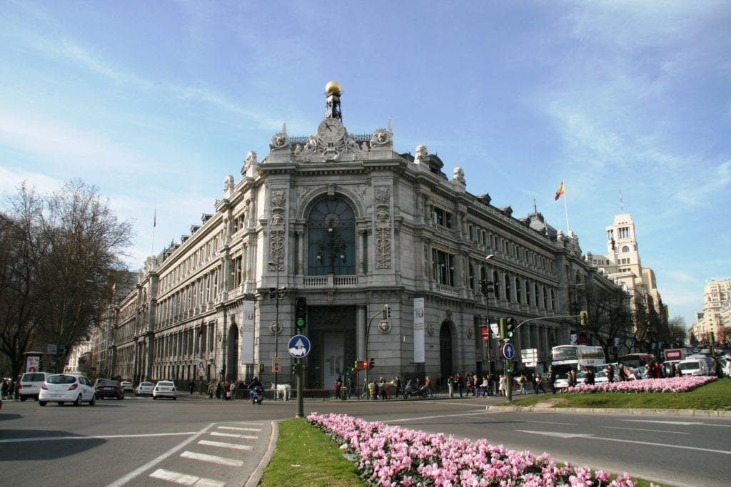The Bank of Spain Warns that the Economy will Contract by Between 6.6% and 13.6%