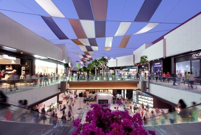 Caída de la inversión y aluvión de refinanciaciones: así será el inmobiliario retail en 2020