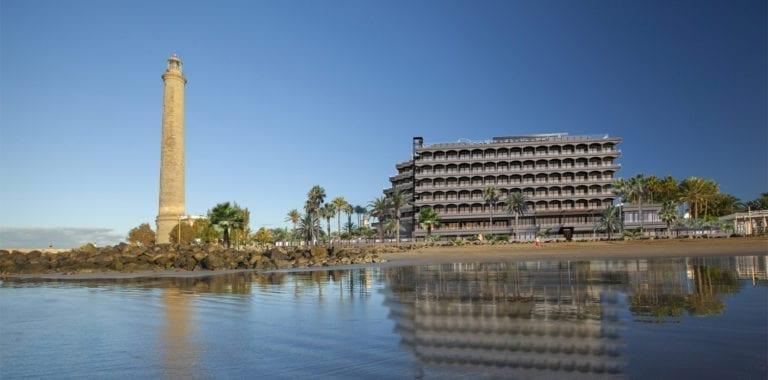 Bruselas autoriza a Apollo la compra de dos hoteles de Lopesan en Canarias