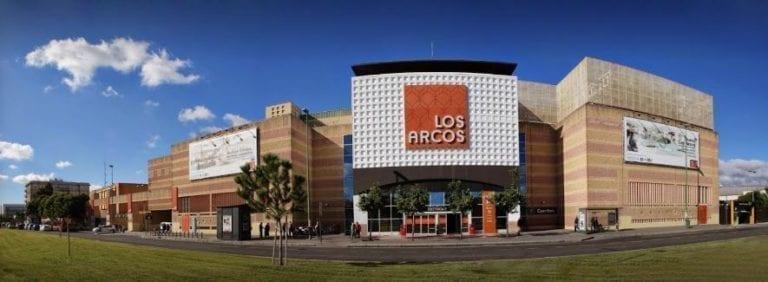 El centro comercial Los Arcos en Sevilla habilita una zona de vending gratuito durante el estado de alarma
