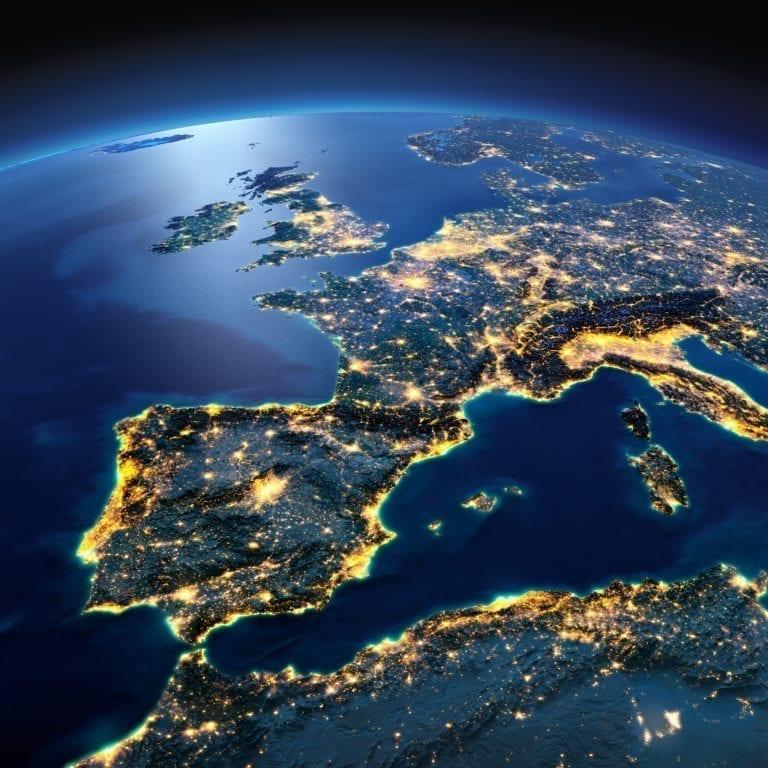 El FMI prevé que el PIB de España se contraerá un 8% en 2020 y que el paro alcance el 20,8%