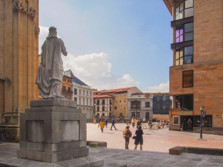 Alfonso II y Plaza la Catedral Oviedo 1