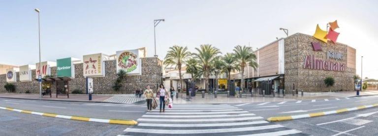 LYC firma contratos por 3.400 m2 en sus centros comerciales de Lorca, Alicante y Soria