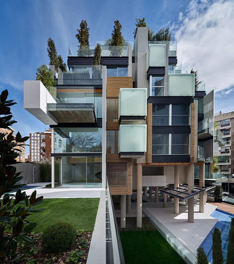 La antigua sede de RTVE en Madrid se convierte en una 'escultura' que esconde 11 viviendas