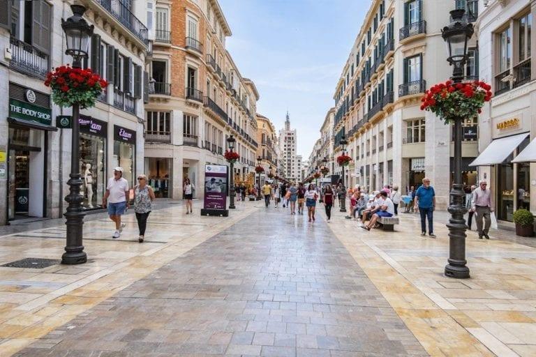 Las calles comerciales registran una caída de la afluencia del 33% en enero