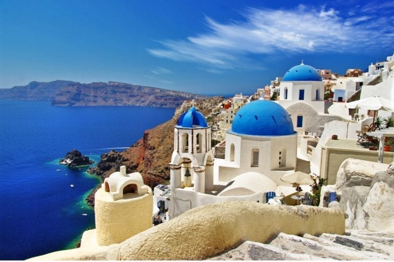 Eurobank invertirá 750 millones para rescatar al turismo en Grecia