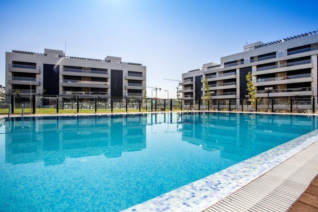 Vivienda nueva piscina Amenabar