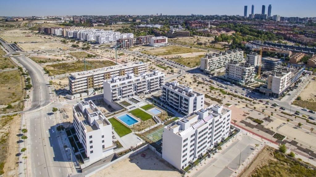 Viviendas en construcción en Madrid cuatro torres amenabar
