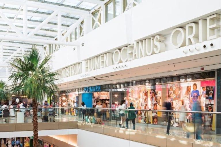 Los centros comerciales recuperan el 66% de su tráfico