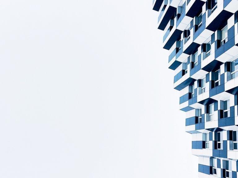 Las agencias de calificación enfrían de golpe las subidas de la vivienda