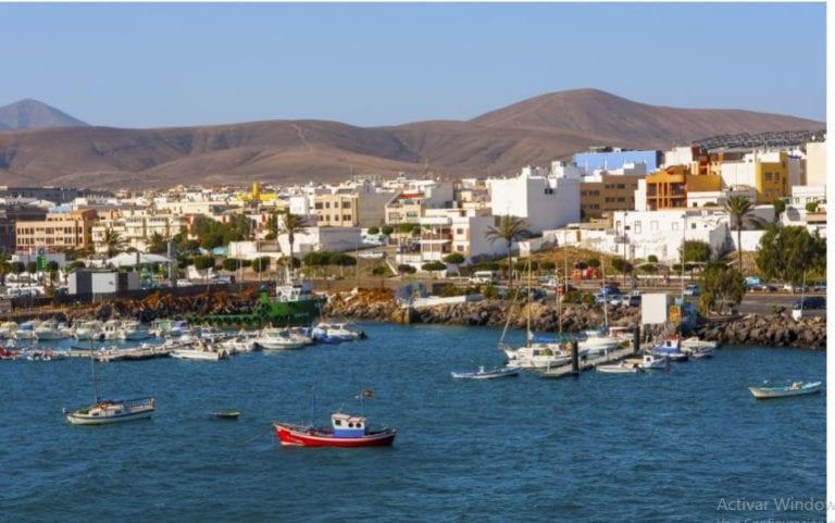 Sareb vende 11 viviendas para usos sociales al Gobierno de Canarias