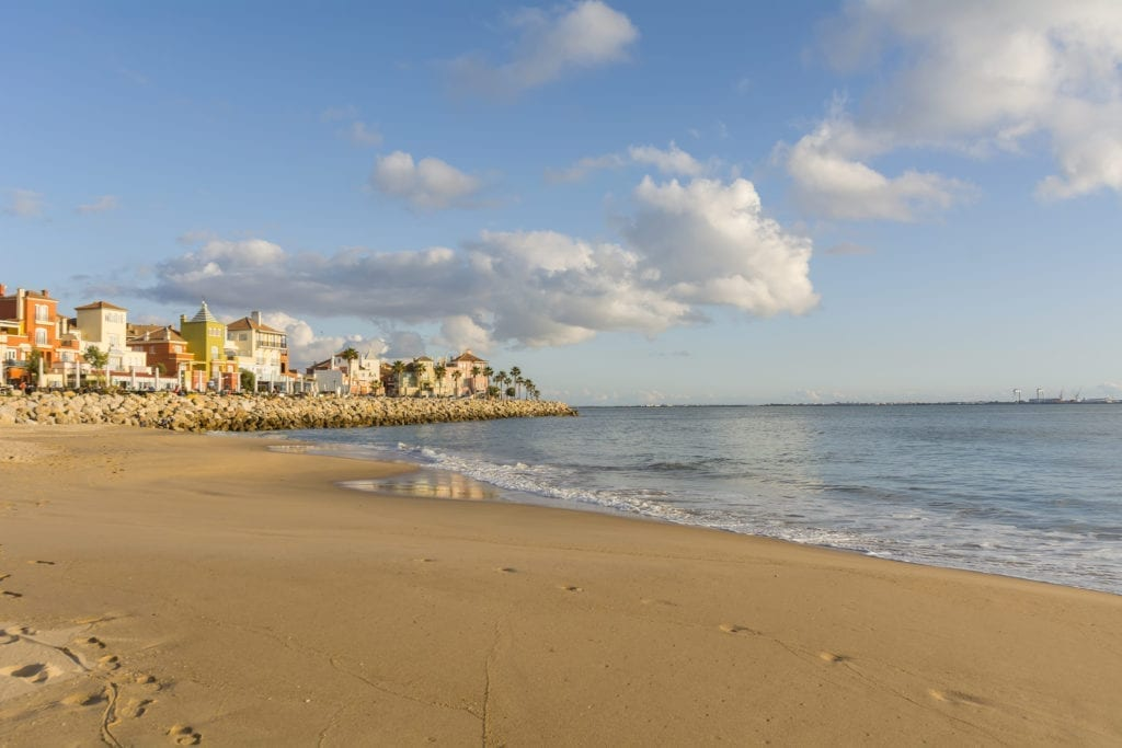 Acciona Buys 85,000 m2 of Land in Cádiz to Build a Hotel and Homes