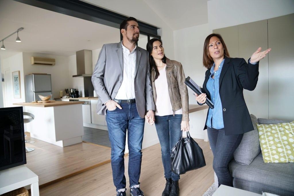 visita pisos vivienda inmobiliaria