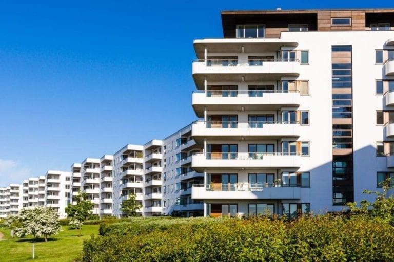 La compra de viviendas cayó un 16% en el primer trimestre, con ajustes del 20% en Baleares y Madrid