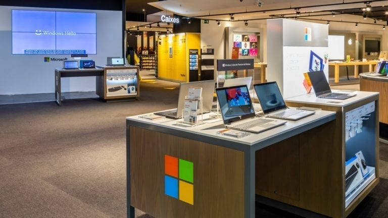 Microsoft se muda a la nube: cierra todas sus tiendas físicas