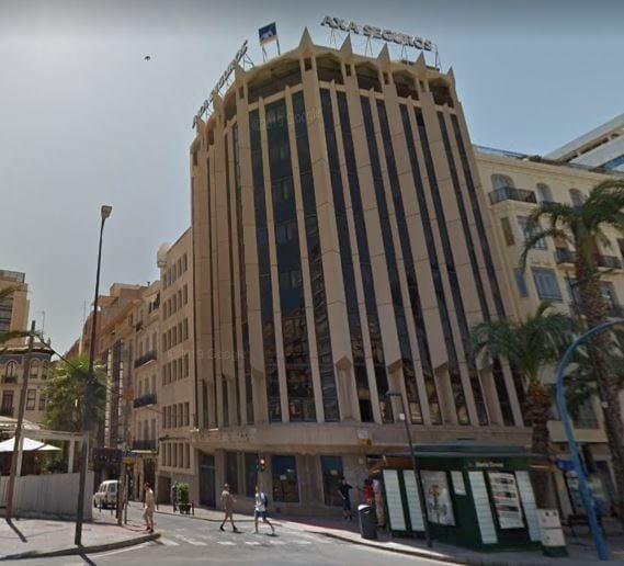 Marjal invertirá 6 millones en su coliving del edificio Axa y pide la 'licencia exprés'