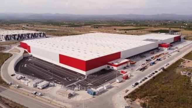 Conforama inaugura un nuevo centro logístico en Llíria, Valencia