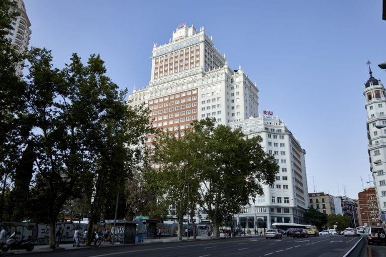 RIU reabrirá su hotel del Edificio España el próximo 15 de junio