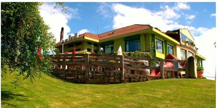 El grupo hostelero Deloya presenta una oferta para comprar el restaurante Latores en Oviedo