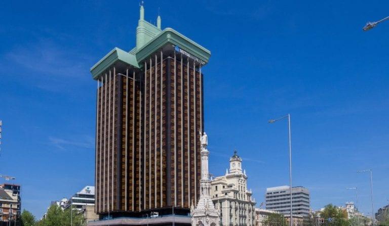 El Ayuntamiento de Madrid se pronuncia en la polémica de las Torres de Colón: permitirá tocar la fachada