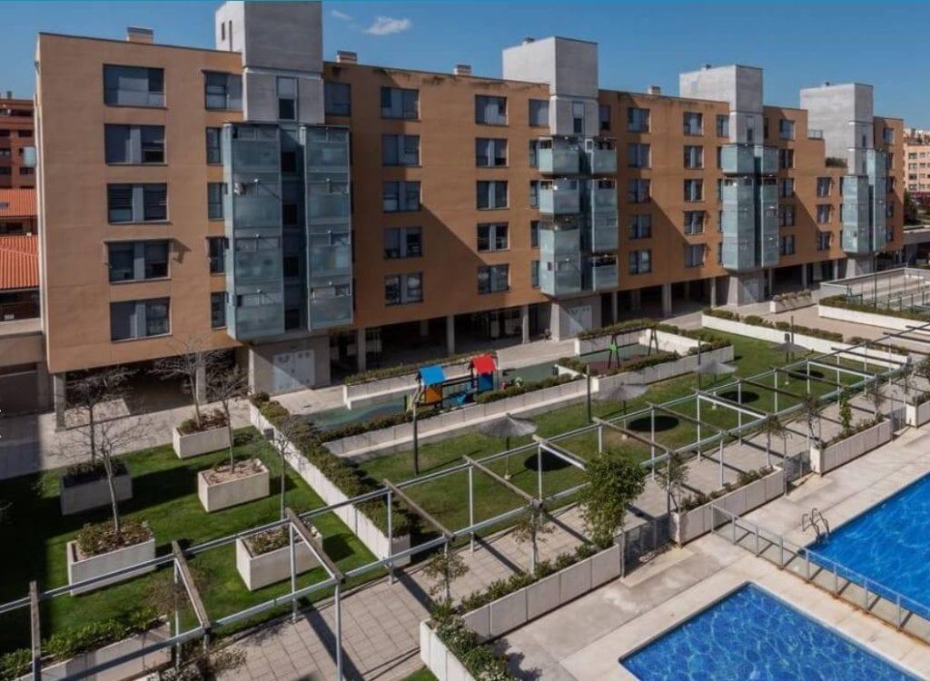 Backstone 700 viviendas