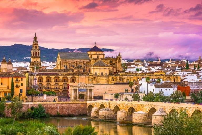 Millenium compra dos hoteles en San Sebastián y Córdoba por 40 millones