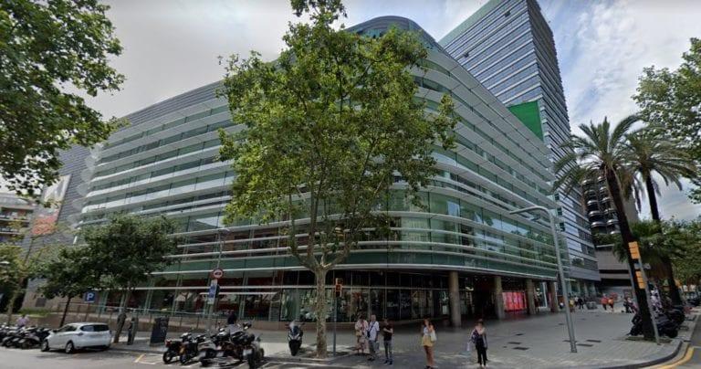 Barcelona da luz verde al cambio de uso del edificio de El Corte Inglés de Francesc Macià