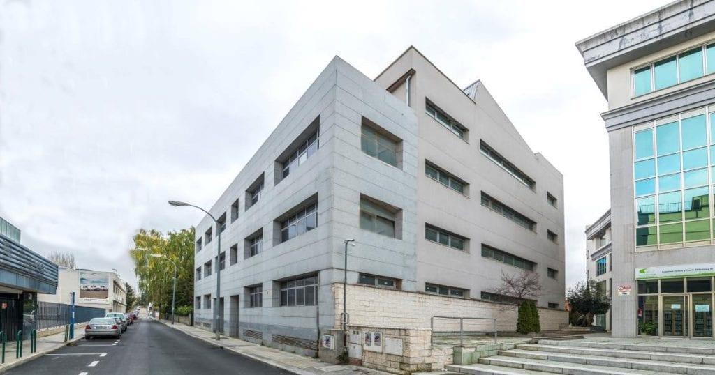 Edificio ofinas en Pozuel de Alarcón Fuente Cadbe Grupo Inmobiliario