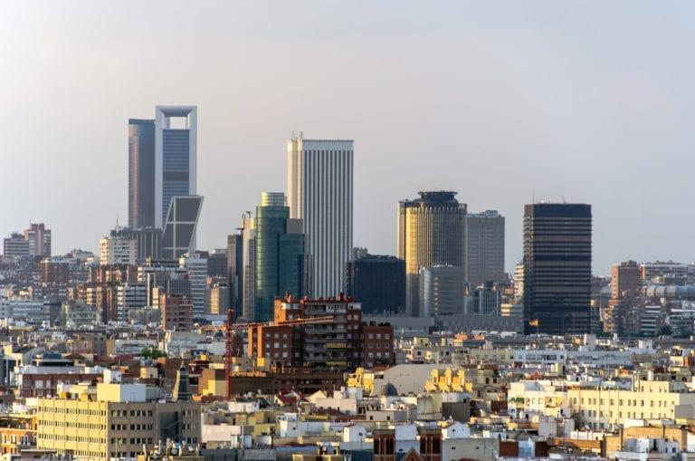 La contratación de oficinas en Madrid cae a la mitad en el segundo trimestre