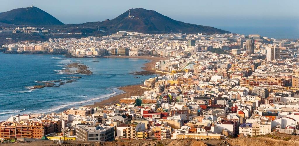 Imagen aérea de Canarias donde Sareb planea vender naves y edificios