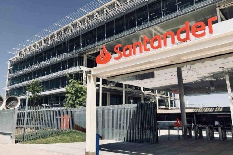 Santander negocia la venta de dos carteras de activos tóxicos valoradas en 1.500 millones