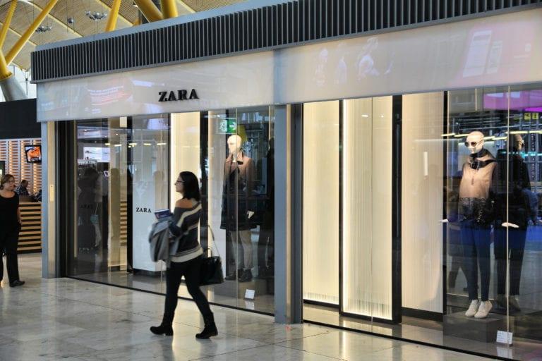 Inditex cierra sus tiendas de los aeropuertos de Madrid y Barcelona