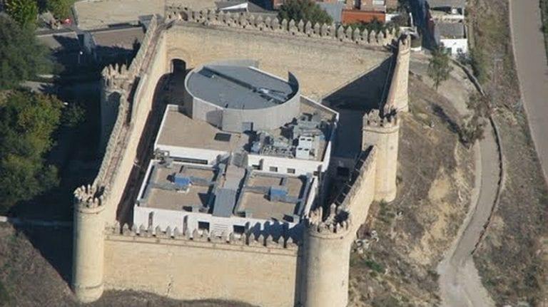 Interior vende por Internet un castillo, casas cuartel en desuso y solares de la Guardia Civil