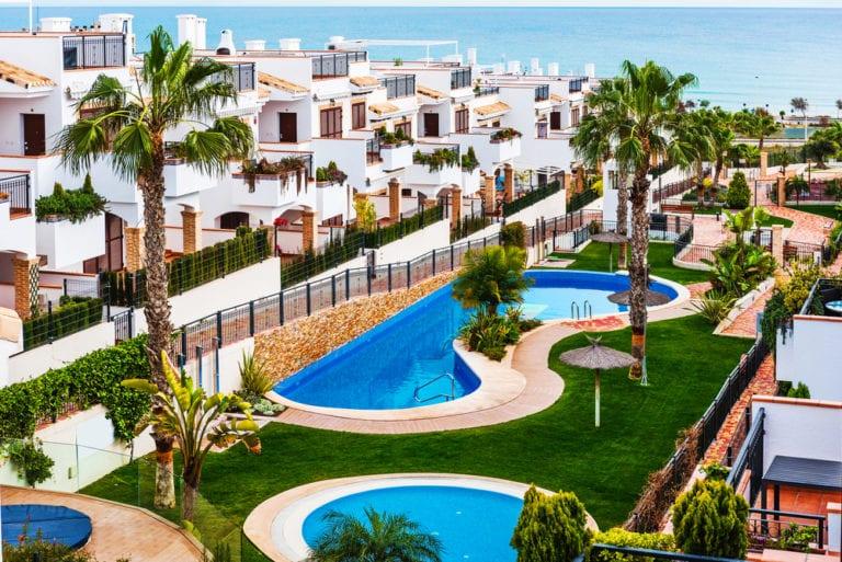 Google revela que España es el país más demandado para invertir en segundas residencias