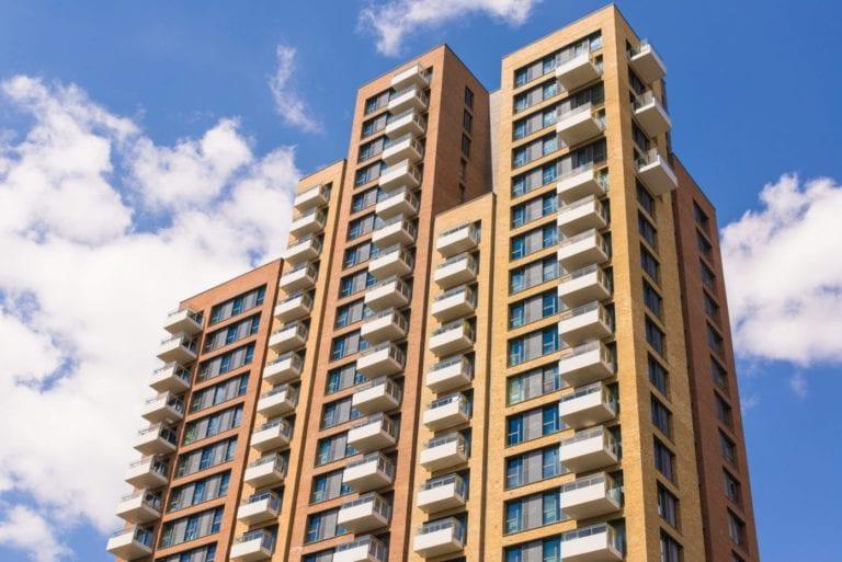 Las agencias inmobiliarias prevén una fuerte caída del 30% en la demanda de vivienda