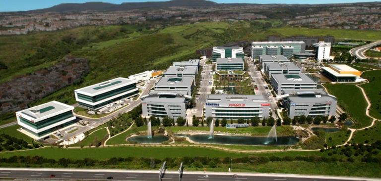 Henderson compra el parque empresarial Lagoas Park en Lisboa por 421 millones