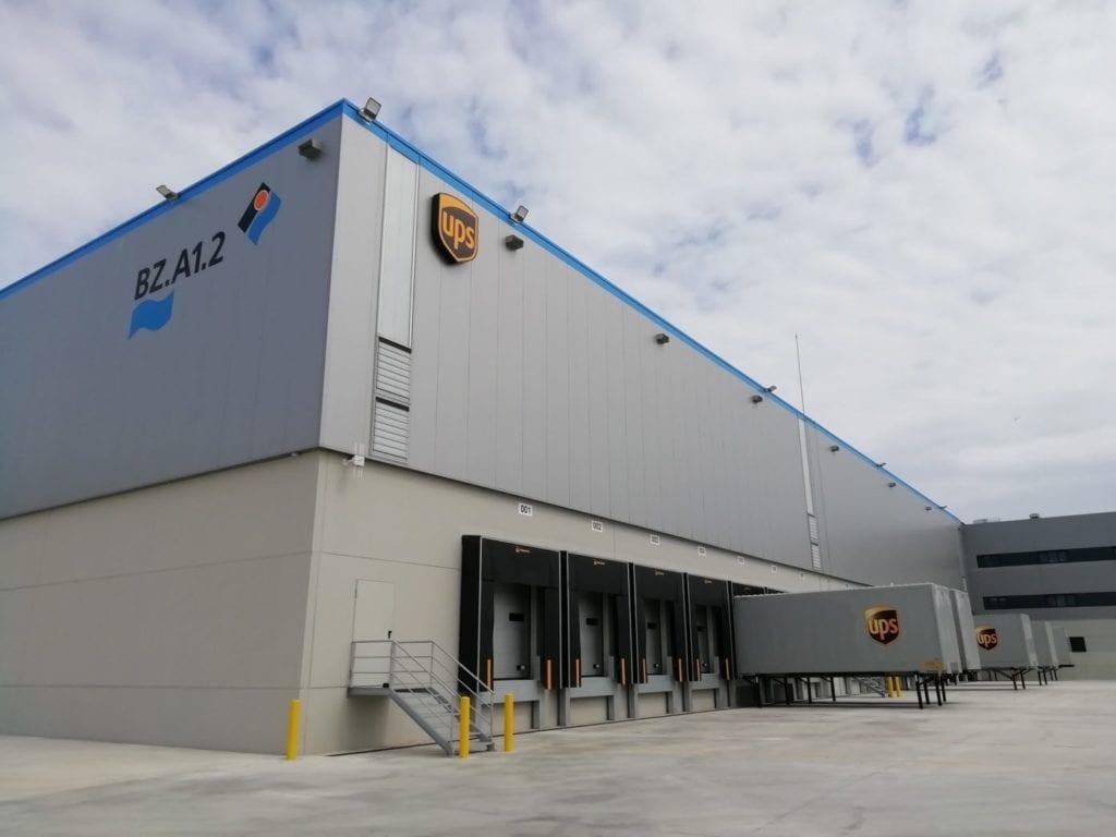 UPS ZAL port