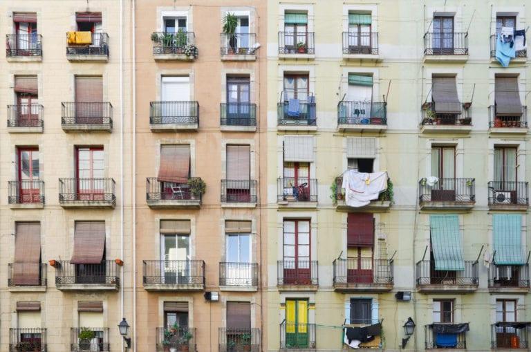 Los APIs de Cataluña piden soluciones ante el aumento de las okupaciones ilegales