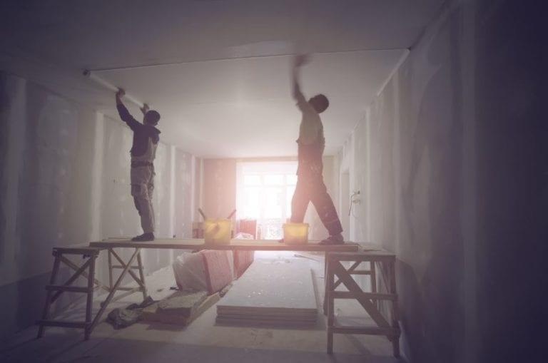 Barcelona crea un servicio para incentivar la rehabilitación de edificios y viviendas