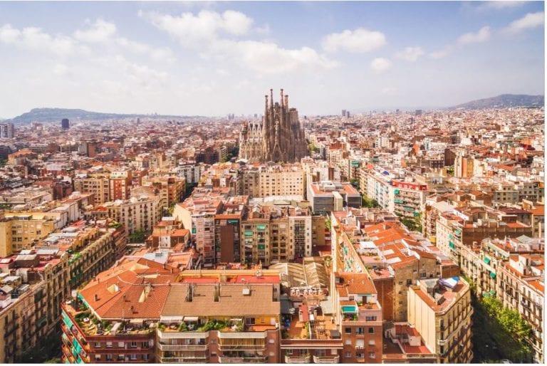 Los dueños de locales de Barcelona cambian los contratos de alquiler tras la nueva ley