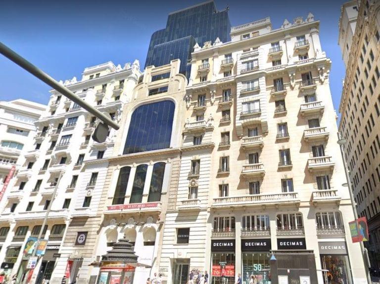 ACR rehabilita un edificio en Gran Vía para construir 20 viviendas de lujo