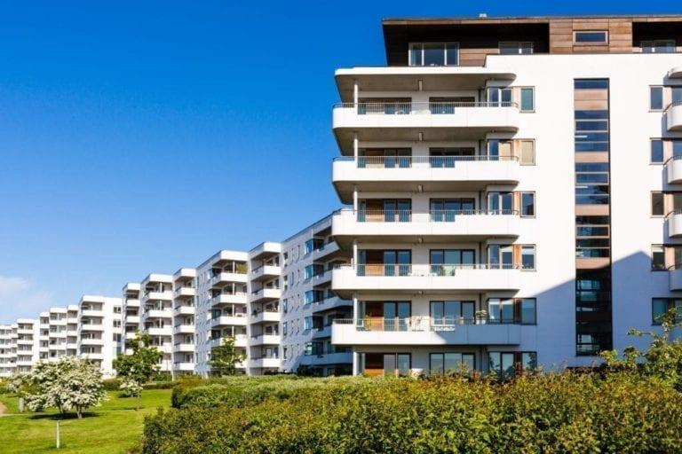 El precio de la vivienda registra una leve caída en octubre, según portales inmobiliarios