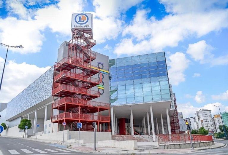 Blackstone busca comprador para su centro comercial en Lugo