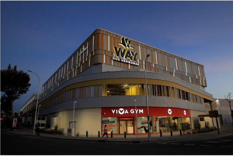 Kronos abre su primer centro comercial y de ocio en España