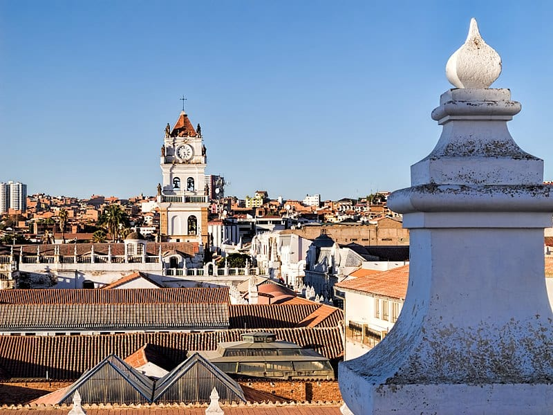 Vista aérea de una ciudad de Bolivia, país donde Alfa abrirá sus oficinas
