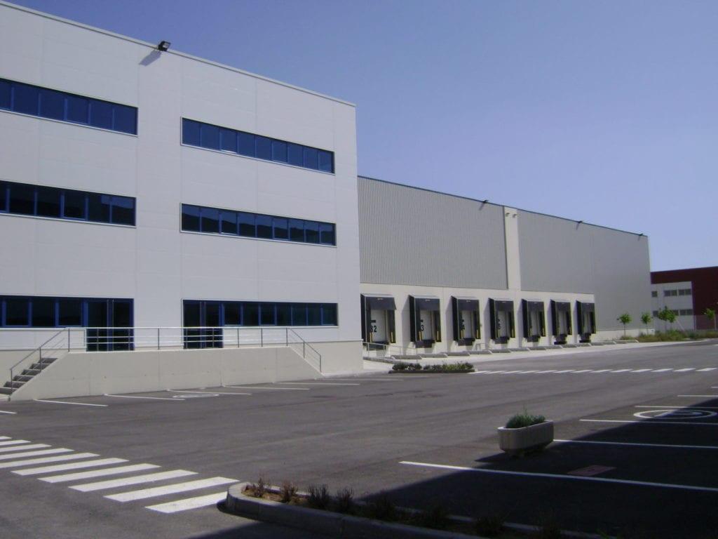 Nave industrial que pertenece a los activos logísticos de Clarion gestionados por CBRE
